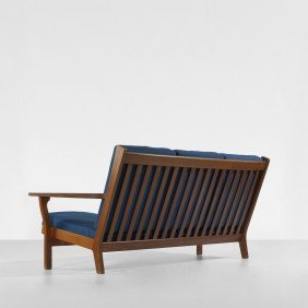 116: Hans Wegner sofa, model 330/3 A