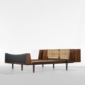 119: Hans Wegner bed, model 701