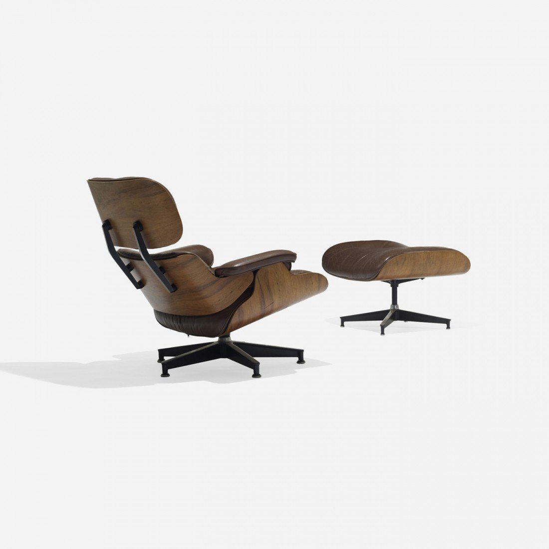 121: Eames 670 lounge chair and 671 ottoman