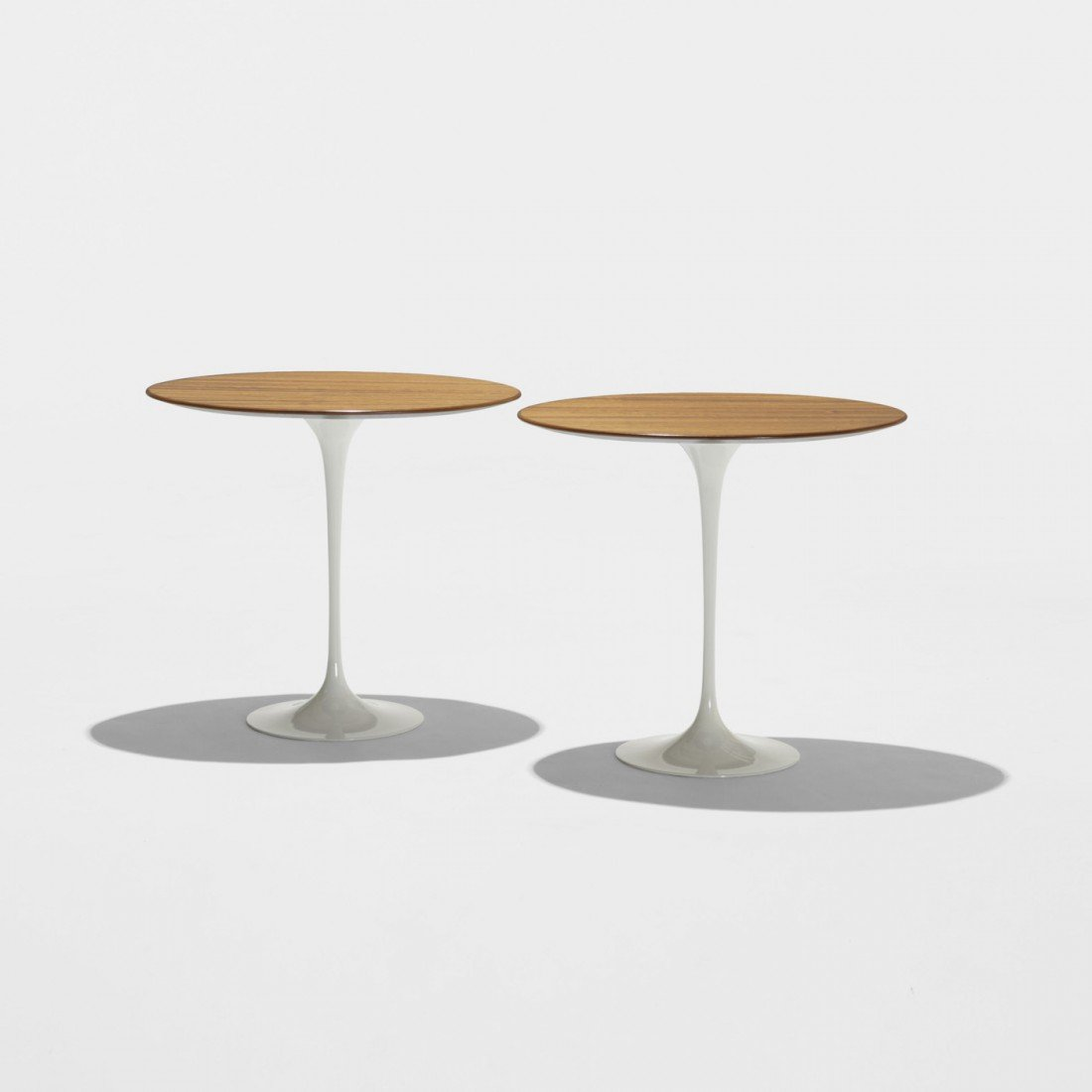 151: Eero Saarinen occasional tables, pair