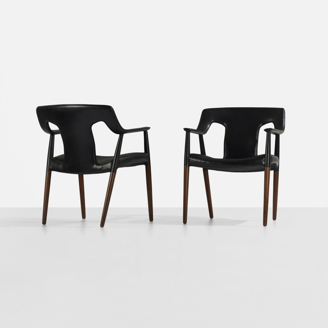 100: A. Bender Madsen and Ejner Larsen armchairs, pair