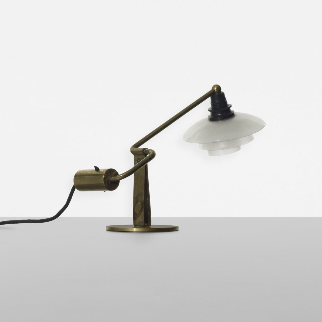 110: Poul Henningsen PH 2/1 Kippe table lamp