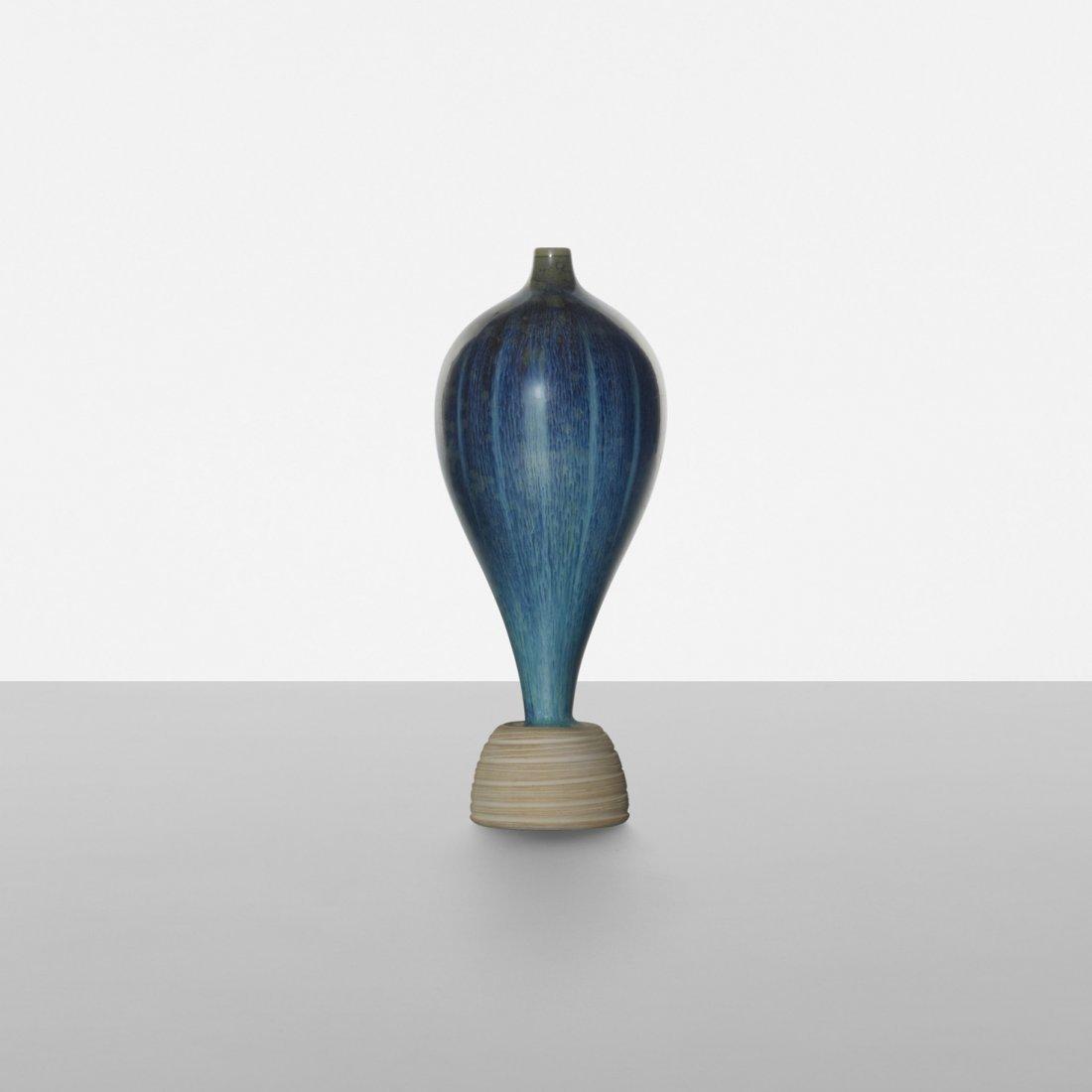 111: Wilhelm Kåge Farsta vase