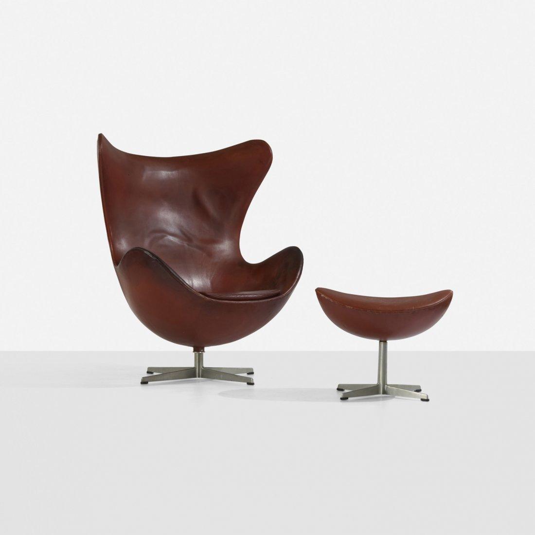189: Arne Jacobsen Egg chair and ottoman