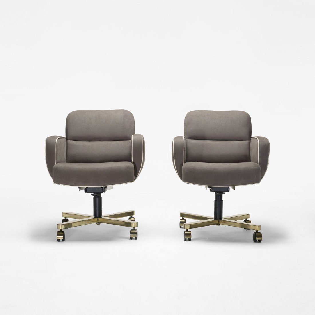 109: American office chairs, pair