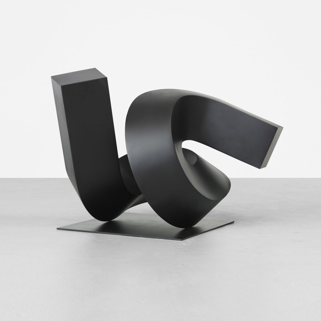 118: Clement Meadmore Around and About