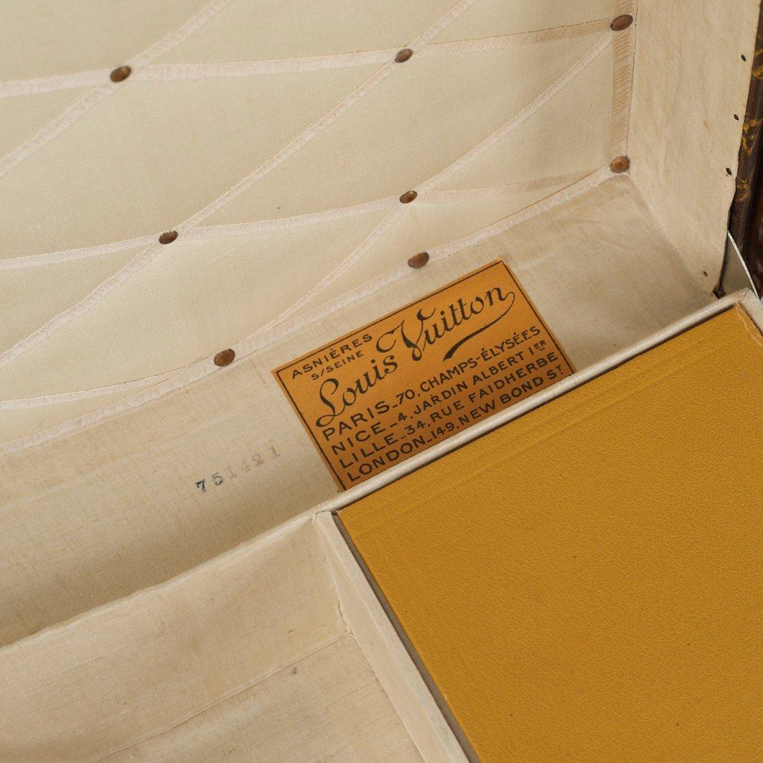 145: Louis Vuitton train case - 6