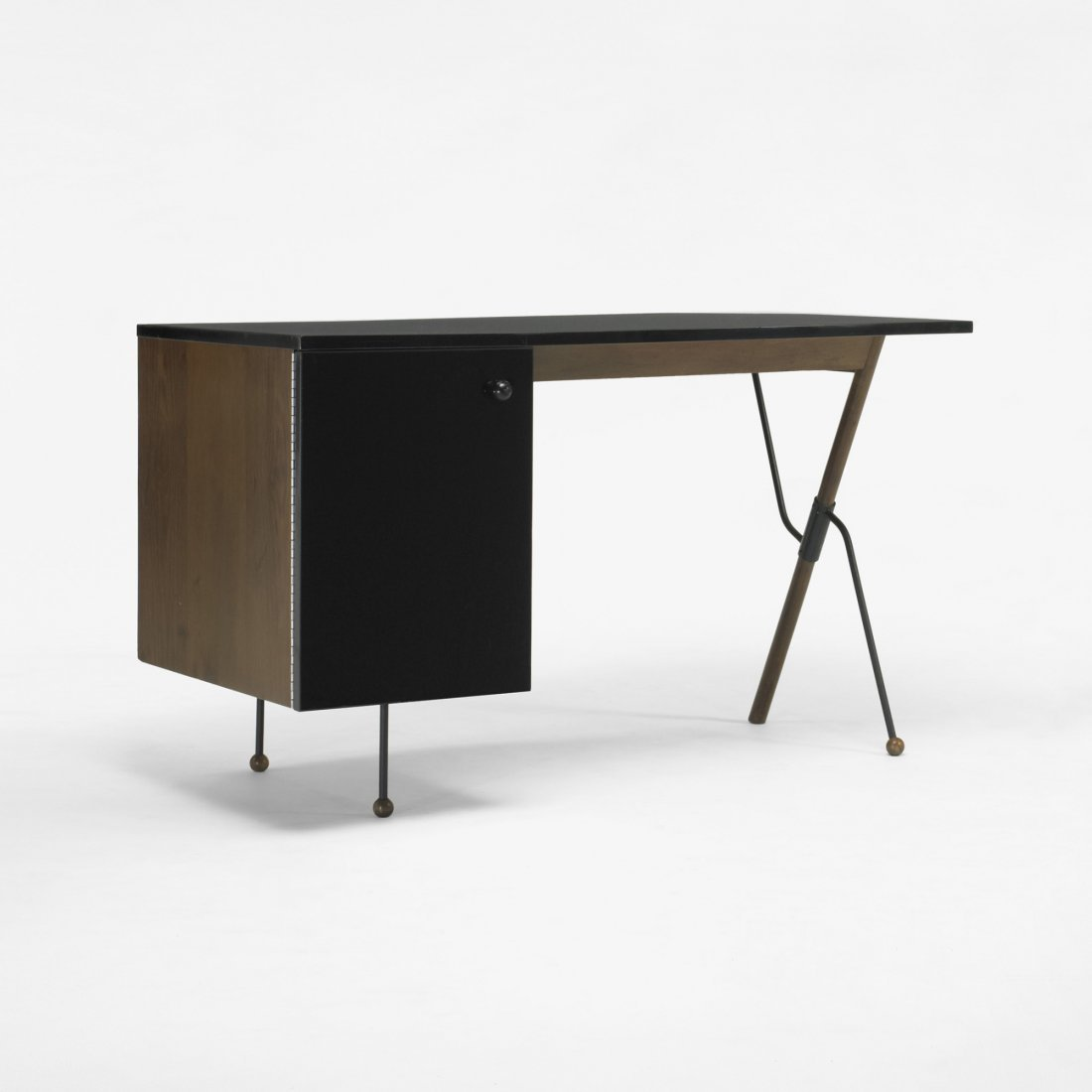 104: Greta  Magnusson Grossman desk