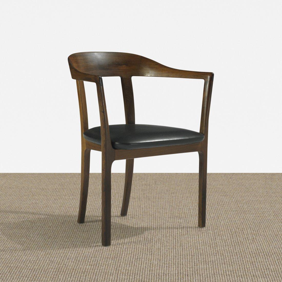 122: Ole Wanscher armchair