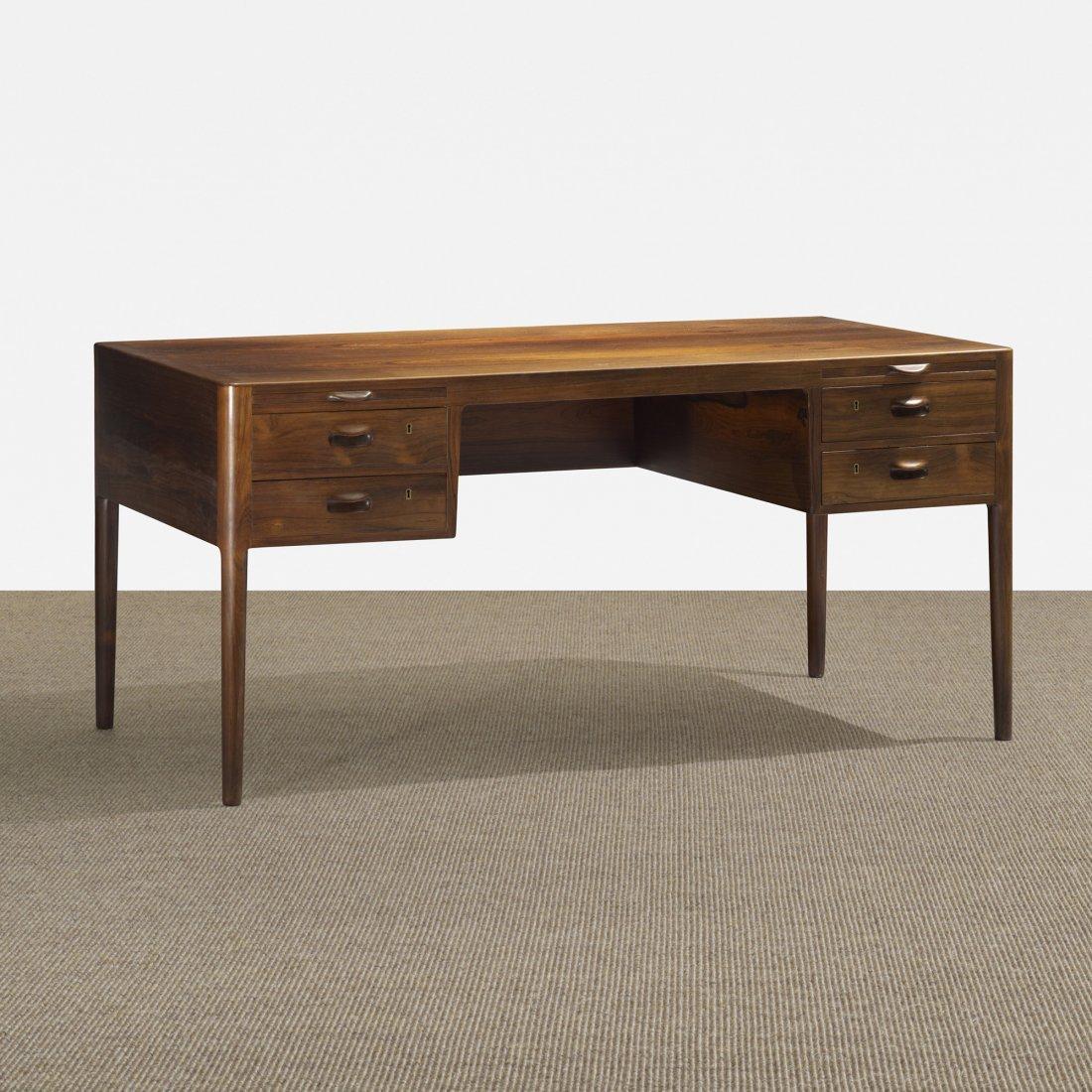 123: Johannes Hansen desk