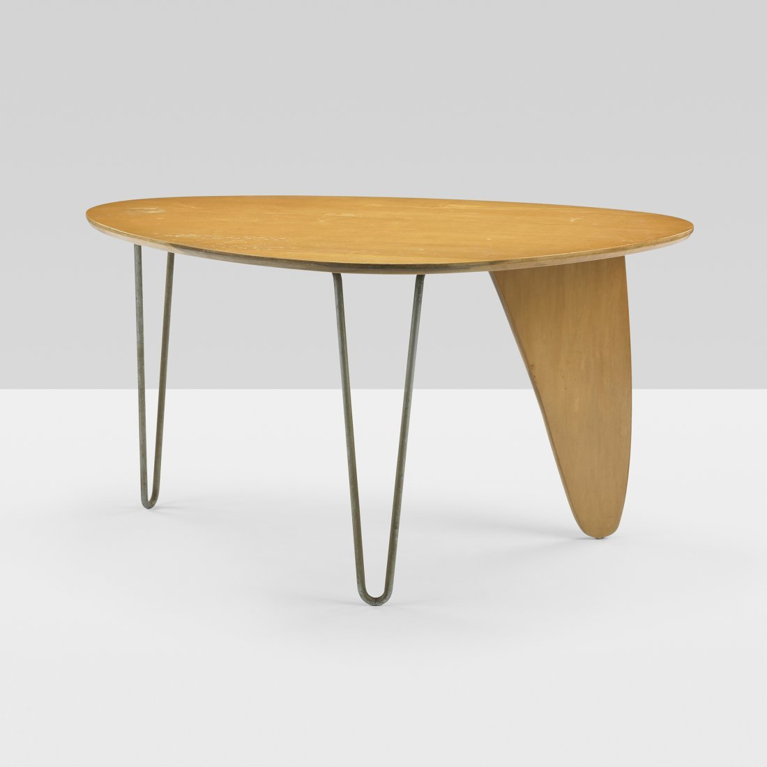 203: Isamu Noguchi Rudder dining table, model IN-20