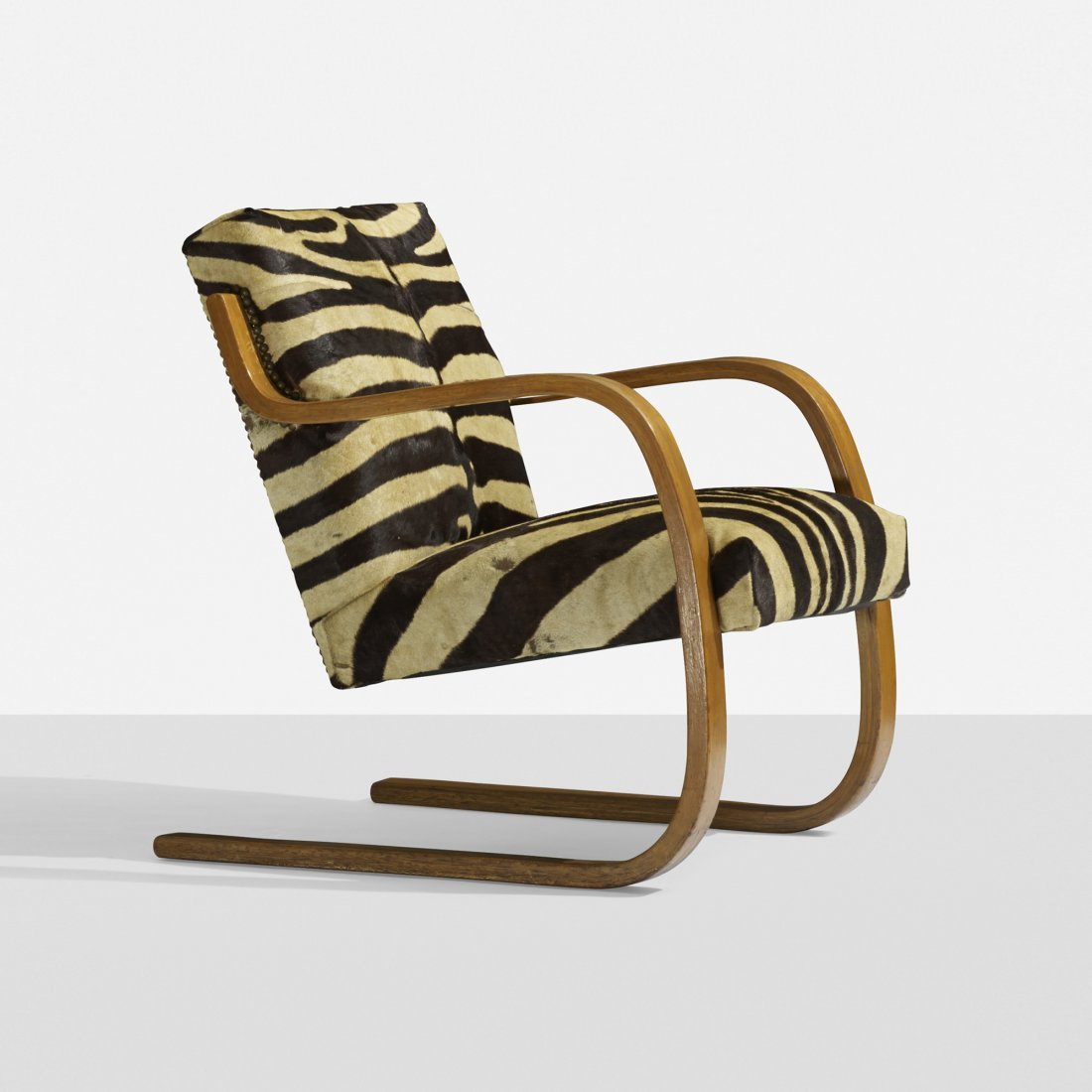 Alvar Aalto cantilevered chair