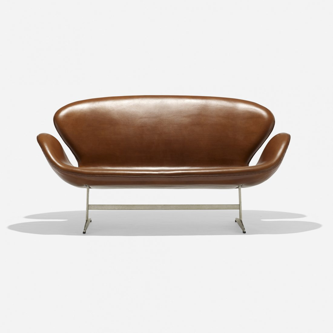 Arne Jacobsen Swan settee, model 3321