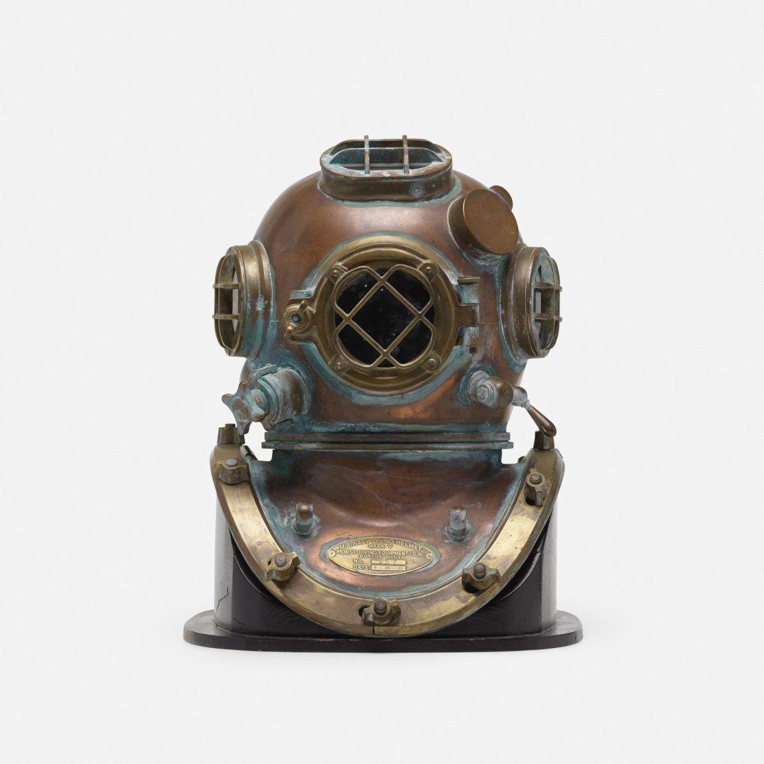 Morse Diving Equipment, U.S. Navy Mark V diving helmet