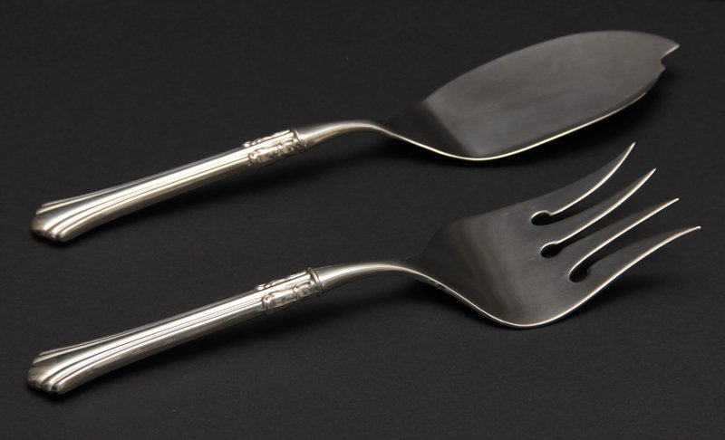REED AND BARTON 18TH CENTURY FISH SERVING SET
