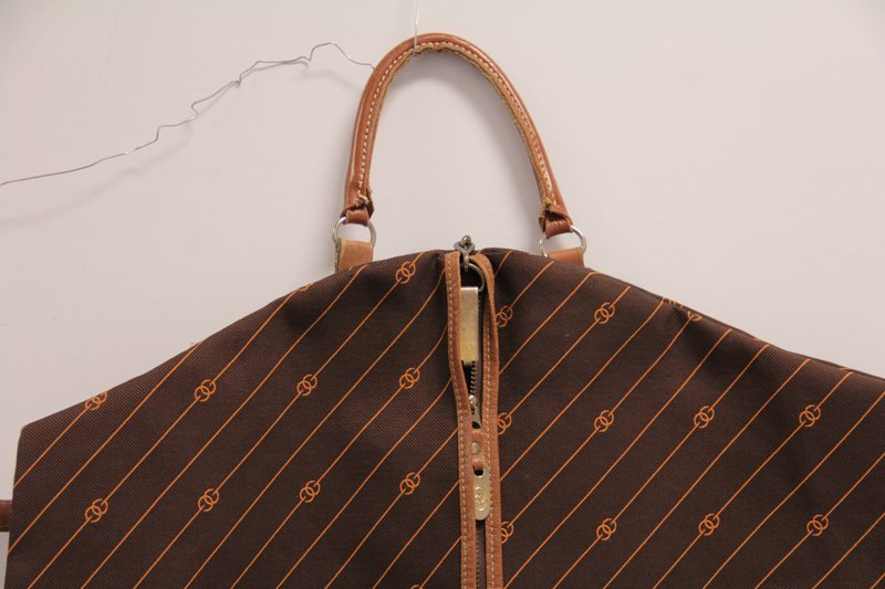 AUTHENTIC VINTAGE GUCCI GARMENT BAG - 2