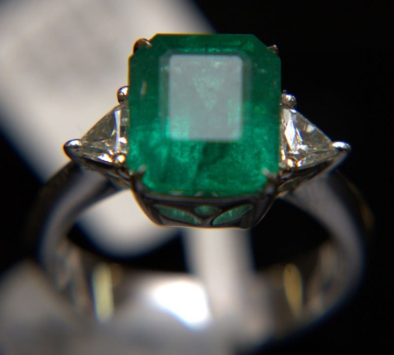 18 Kt. WG, Emerald, and Diamond Ring