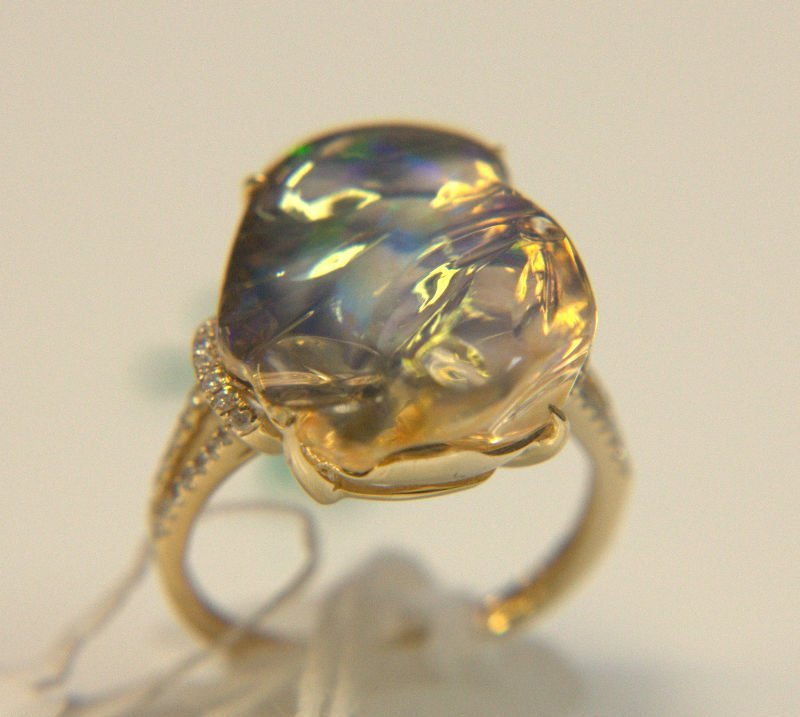 14 Kt. YG, Opal, and DIA Ring