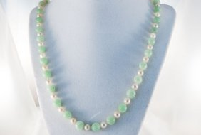 Adventurine Quartz Cultured Pearl Necklace