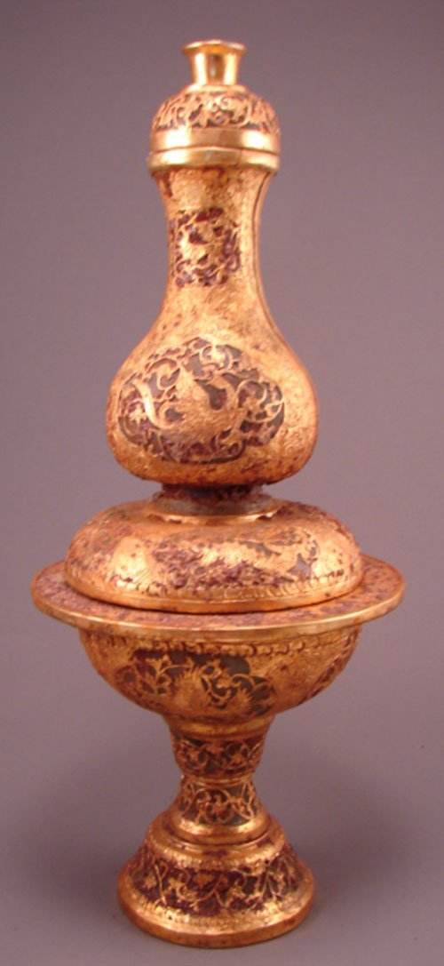 1551: Jade and gold plated silver incense holder / urn