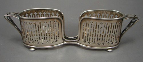1021: Wallace Sterling Silver Pierced Handled Holder. 2