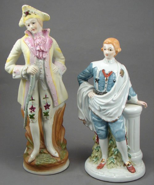 1005A: Two Japanese Porcelain Figures of Men. 20th c. 1