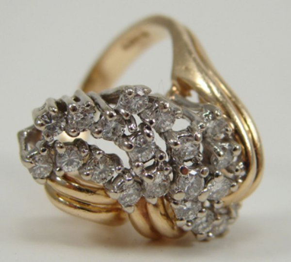 505: Diamond and 14k Yellow Gold Lady's Ring Estate Jew