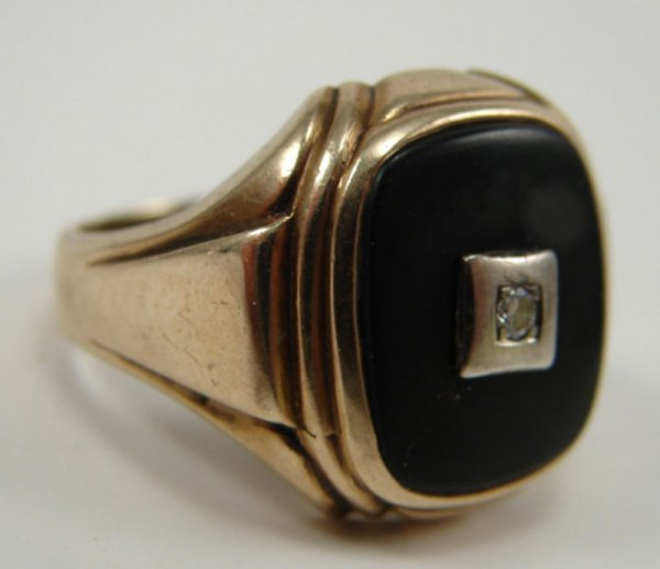 518: Men's Diamond, Onyx & 10k Yellow Gold Ring. Ring s