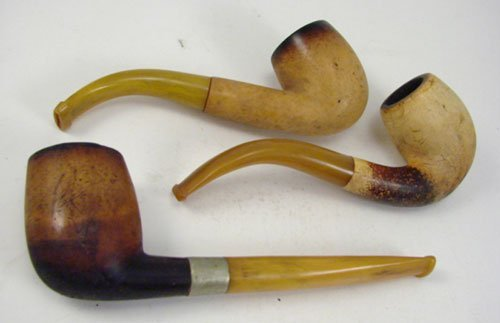 9: 3 Antique Hand Carved Meerschaum Pipes of simple des
