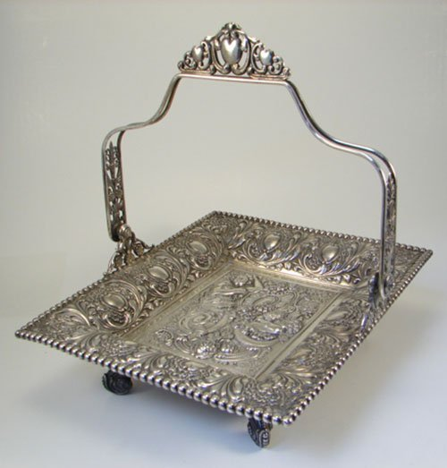 23: Tufts Victorian Silver Plated Brides Basket with sw