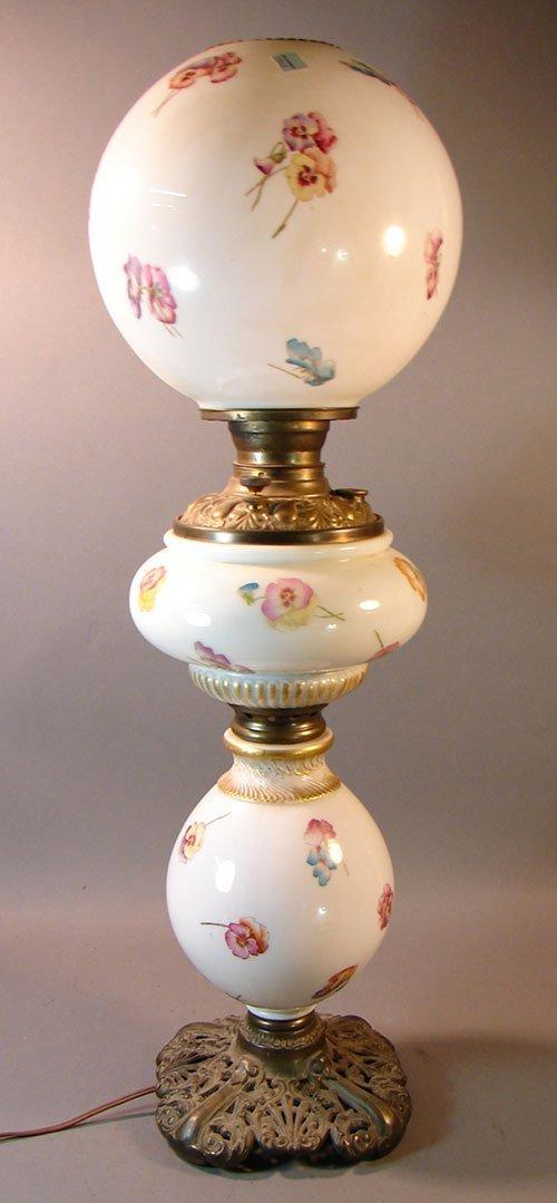 2114: Antique Gone with the Wind type Kerosene Lamp (el