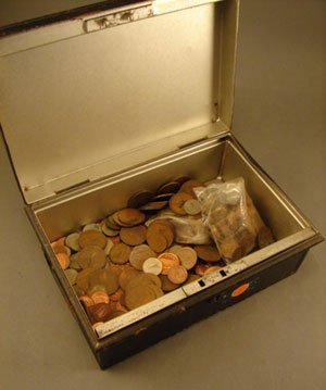 1404: Metal box of Irish pennies to 6 pence mostly mode