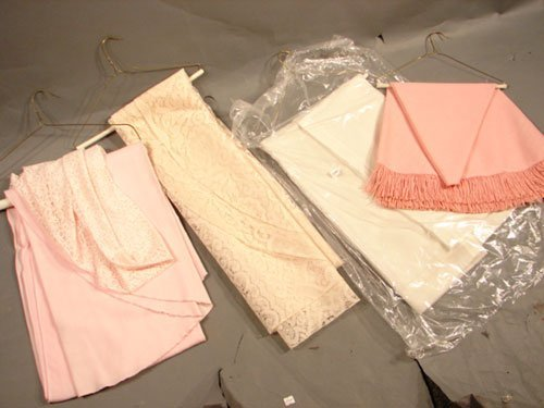4: Lot of Lace and Damask Tablecloths. 4 pieces. Variou