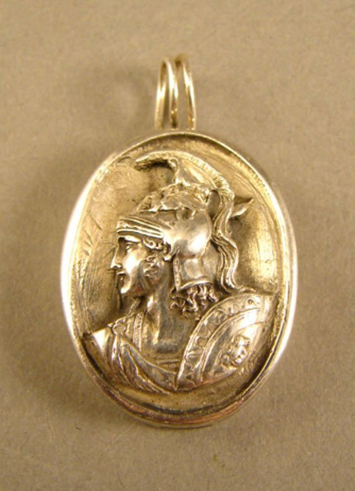 25: Exquisite Sterling Silver Cameo Pendant. Featuring