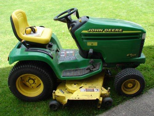 "125A: John Deere GT 235 Lawn Tractor with 54"" mowing de"