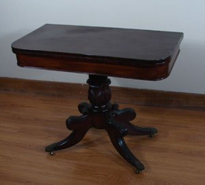 1013: Antique Mahogany Phyfe style Games Table with bra