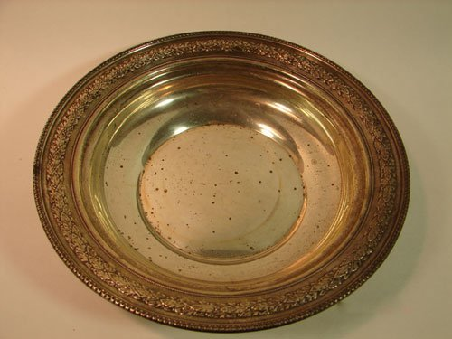 11: Wallace Sterling Silver Center Bowl. 9.045 ounces.