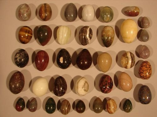 1010: 37 Natural Stone Eggs Dragon