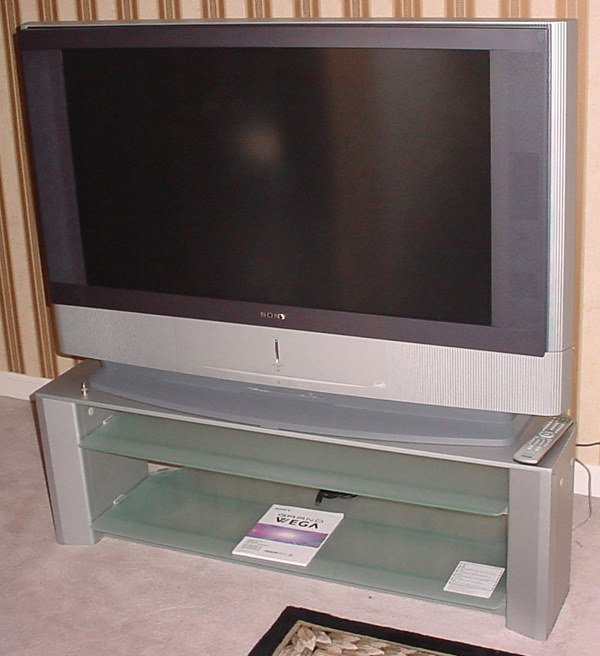 """55: 2004 Sony 42"""" Grand Vega LCD Projection Television"""