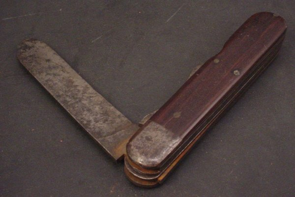 1047: Civil War era Pocket Knife with knife blade and f