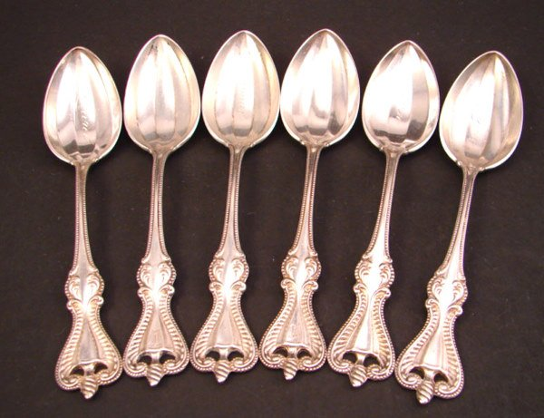 1013: Six Sterling Towle Colonial Pattern Grapefruit Sp