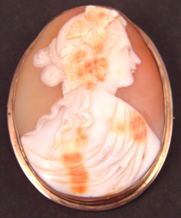 11: Carved Cameo Brooch of Classical woman with grapes