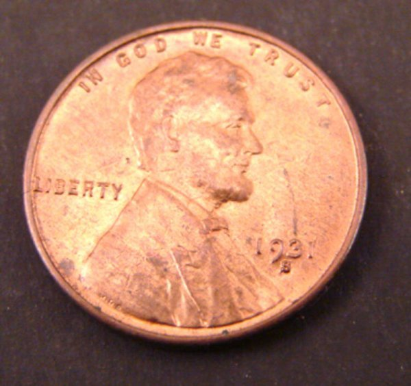 2218: 1931s Lincoln Cent. CHBU red