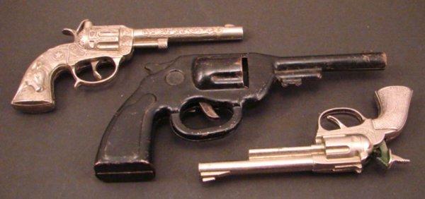 """3020A: Three Toy / Cap Guns. Including PET Hubley (6""""l)"""