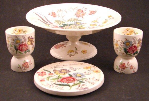 18: Copeland Spode China including pedestal bowl, trive