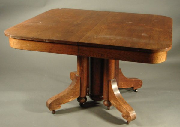 40: Victorian Oak Extension Dining Table with self stor