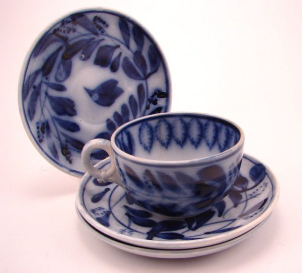 2007: Flow Blue Spinach pattern Tea cup and three sauce