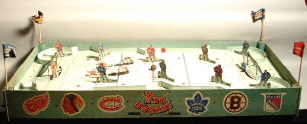 "5062: Vintage 1956 Eagle Toys Ltd. ""Pro Hockey Set"" inc"
