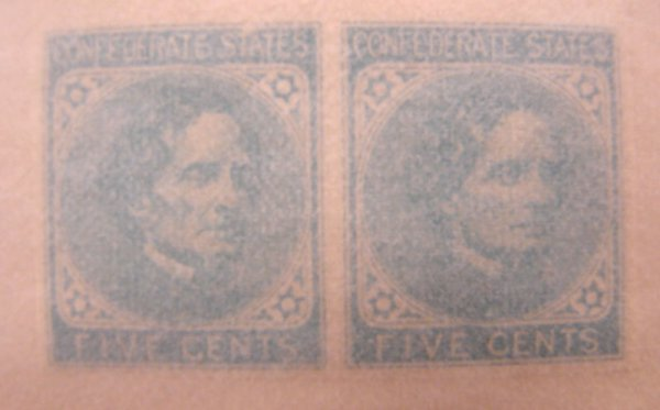 1003: Confederate pair of MNH stamps –Scott's #7 (Jeffe