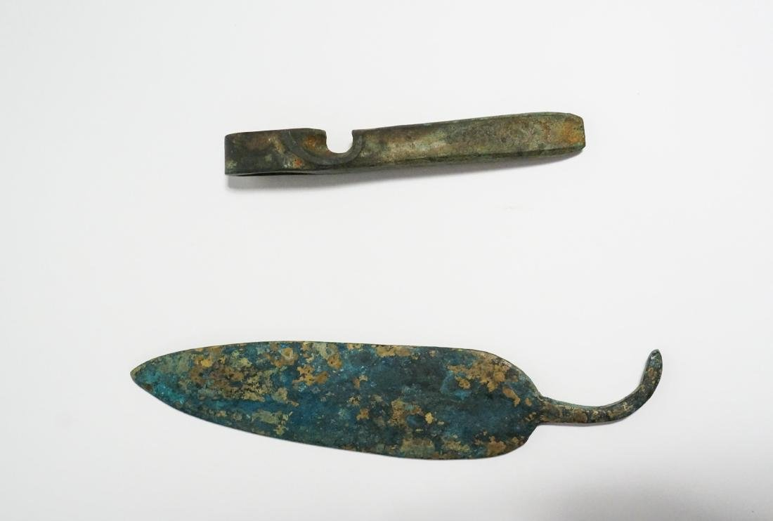 2 ANCIENT BRONZE AGE AXE HEAD AND KNIFE - 2